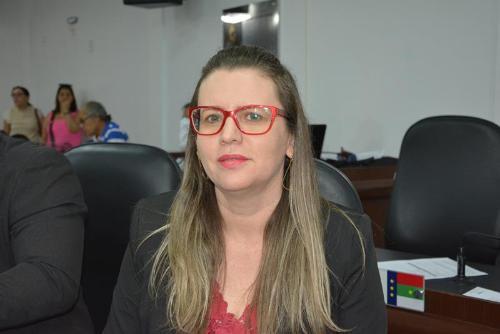 Imagem  Viviane pede compromisso da prefeitura na execução das obras do Finisa 2