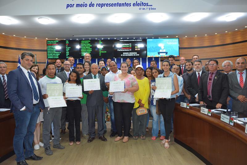 Imagem Câmara homenageia ação de plantio de árvores nativas em Iguá