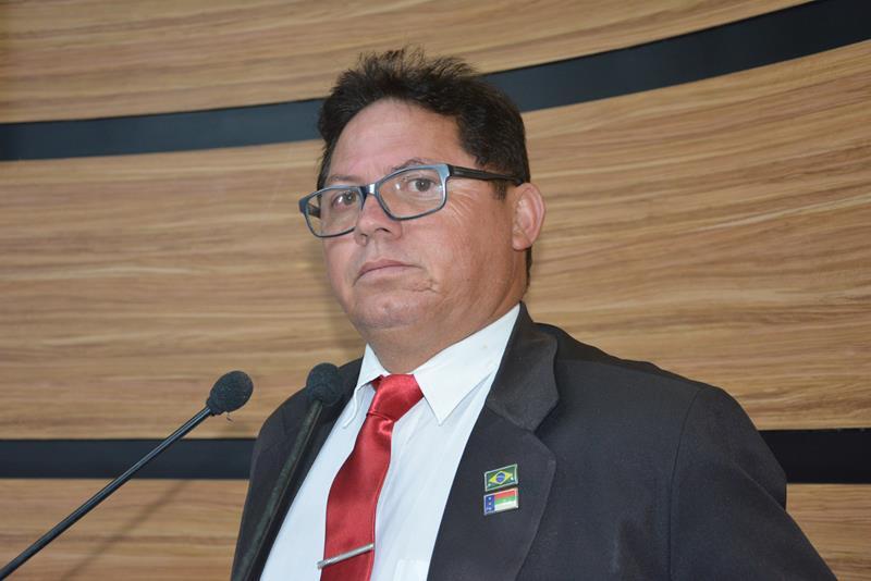 Imagem Jorge Bezerra afirma que perseguições aos servidores ocorreram na gestão passada
