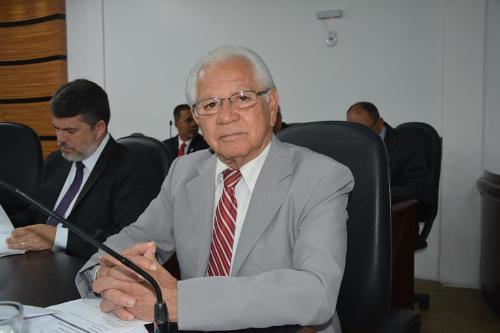 Imagem Álvaro reclama de ineficiência no Governo para atender reivindicações