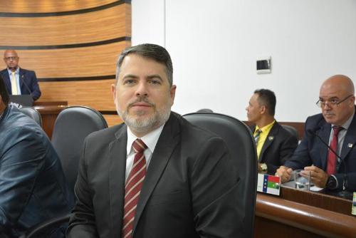 Imagem Edivaldo Ferreira Jr explica papel do vereador no desenvolvimento da cidade