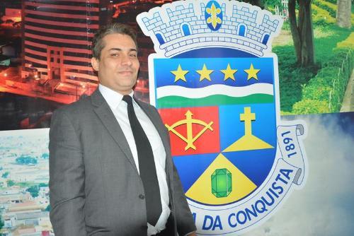Imagem Rodrigo defende aprovação de projeto que regula tarifas de estacionamento