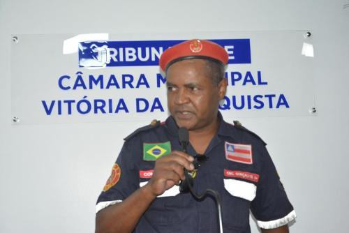 Imagem TRIBUNA LIVRE: Bombeiro civil denuncia cursos irregulares e parabeniza Câmara por criação de lei