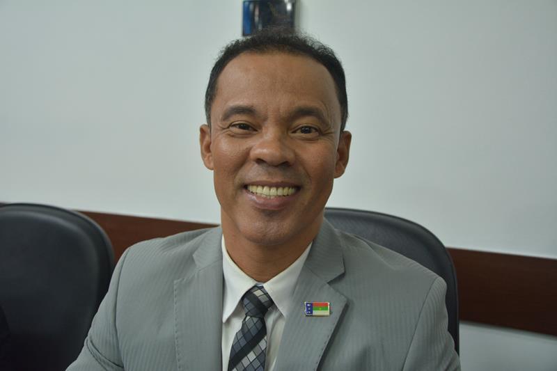 Imagem Dênis critica secretários municipais e pede respeito com a comunidade