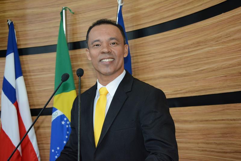 Imagem Dênis agradece ao prefeito por cumprimento de emendas impositivas