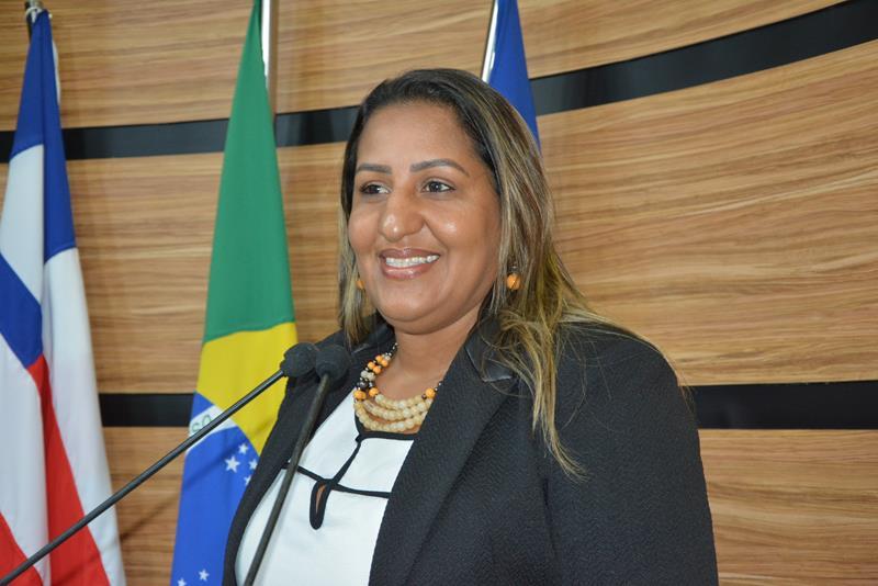 Imagem Nildma destaca participação da mulher na política e pede investimentos em obras de colégios da cidade