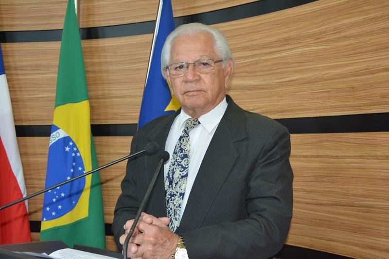 Imagem Álvaro agradece apoio dos conquistenses e das autoridades com o falecimento de sua esposa