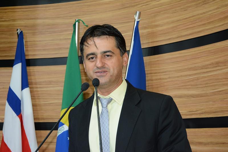 Imagem Jacaré comemora cumprimento de emenda para construção da Praça da Urbis VI