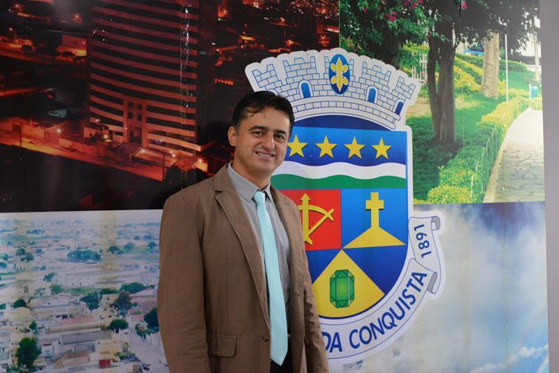 Imagem Jacaré relata abandono na periferia da cidade e volta a cobrar ações da Via Bahia em Conquista