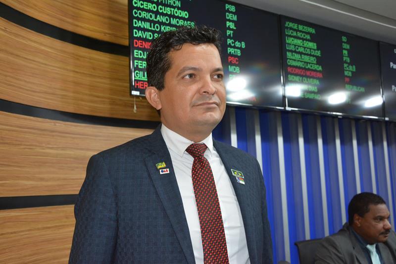 Imagem Salomão repudia aprovação de mais de R$ 30 milhões pelo congresso federal para fundo partidário