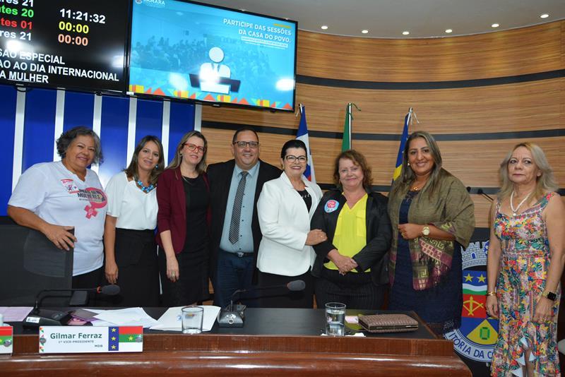 Imagem Câmara celebra Dia da Mulher com entrega do Diploma Loreta Valadares