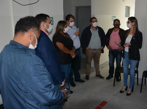 Imagem Câmara Municipal faz visita ao Núcleo de Referência ao coronavírus