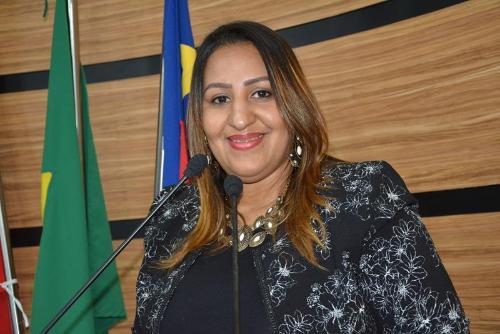 Imagem Nildma pede mais atenção e respeito com a educação pública e com trabalhadores dessa área