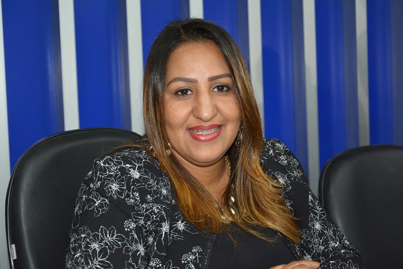 Imagem Nildma cobra do Executivo Municipal ações na Avenida Brasília no Bairro Patagônia