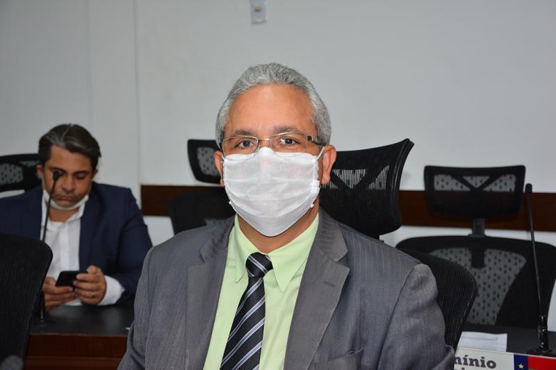 Imagem Professor Cori lamenta emendas impositivas não realizadas e pede política de qualidade no Brasil