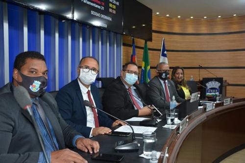 Imagem Câmara aprova Orçamento Municipal de quase R$1 bi com mais de 100  Emendas Impositivas