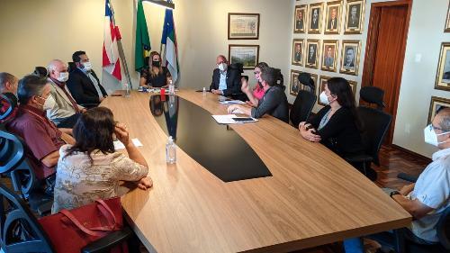 Imagem Presidente da Câmara participa de reunião com prefeita e auditores fiscais de Vitória da  Conquista