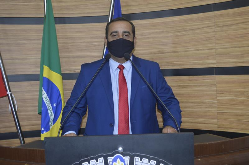 Imagem Ricardo Babão destaca ações do mandato e comemora operação tapa buraco no bairro Ibirapuera