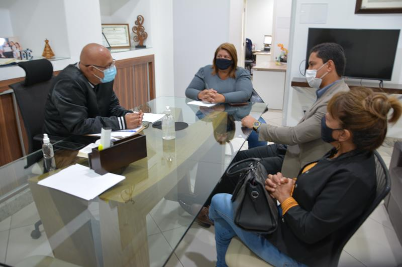 Imagem Câmara recebe Sindacs para tratar de projeto que regulamenta incentivo por aprimoramento profissional