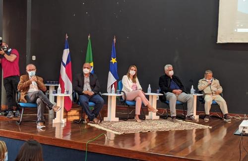 Imagem Presidente da Câmara demonstra entusiasmo com a possibilidade de um polo têxtil em Conquista