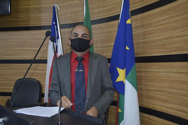 Imagem Bibia defende propostas de homenagens ao prefeito Herzem Gusmão