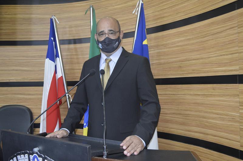 Imagem Chico Estrella diz que conteúdo das redes sociais da prefeitura estão no site oficial