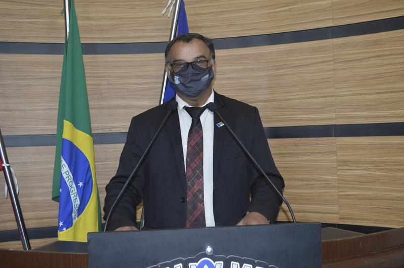 Imagem Adinilson comemora instalação de antenas de telefonia em José Gonçalves e São Sebastião
