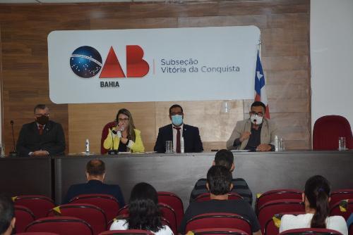 Imagem Vereadores debatem  retorno das aulas presenciais em audiência na sede da OAB