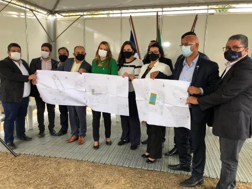 Imagem Vereadores participam de assinatura da Ordem de Serviço para revitalização de praças na Zona Oeste
