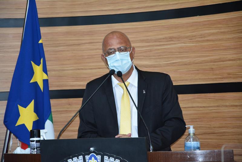 Imagem Dudé critica reforma política proposta pela Câmara de Deputados e pelo Senado