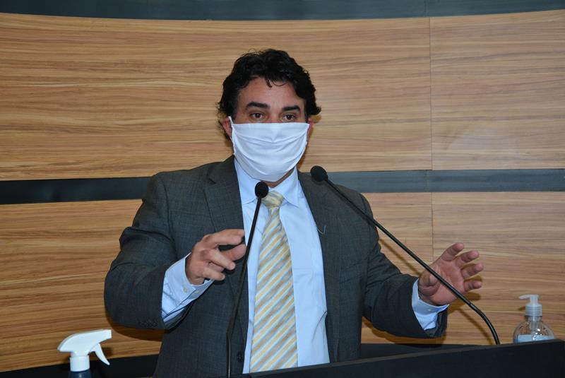 Imagem Andreson Ribeiro questiona gastos elevados em contratações da Prefeitura Municipal