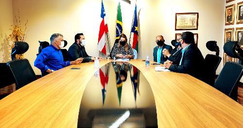 Imagem Comissão de Agricultura se reúne com a prefeita Sheila Lemos para apresentar demandas da Zona Rural