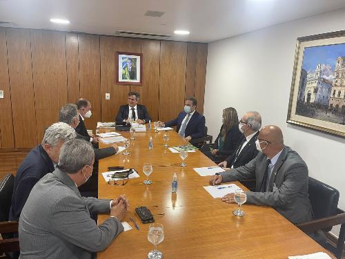 Imagem Em reunião na Casa Civil, presidente da Câmara pede devolução da área do aeroporto e Barragem do Rio Pardo