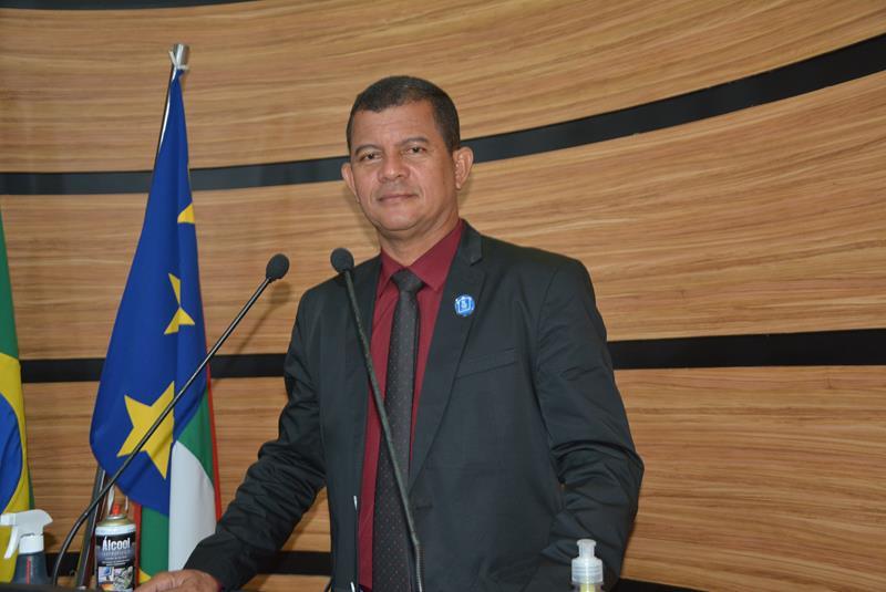 Imagem Muniz afirma que brasileiros foram às ruas porque o STF age de forma política