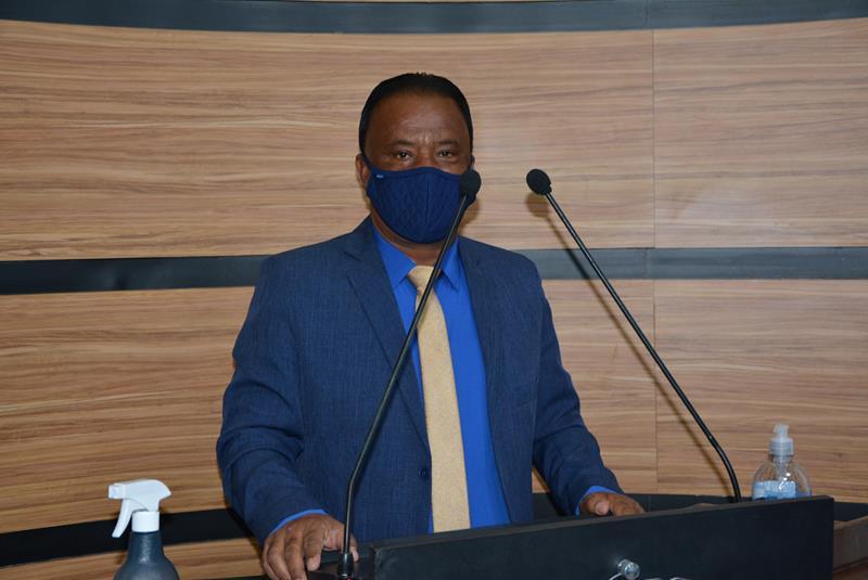 Imagem Dinho comemora construção de Unidade Básica de Saúde no Bairro Campinhos