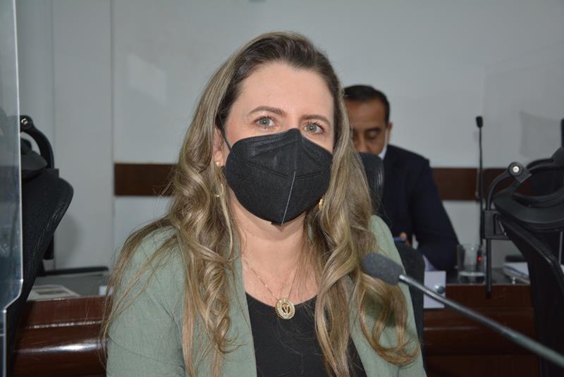 Imagem Viviane destaca reunião com Sheila Lemos para tratar de demandas do Povoado da Roseira