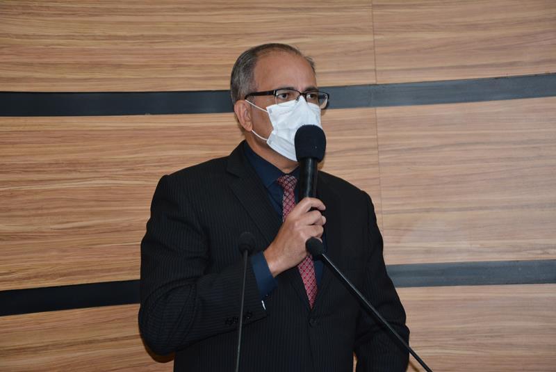 Imagem Augusto Cândido diz que vacina contra a Covid-19 em crianças e adolescentes pode ser prejudicial