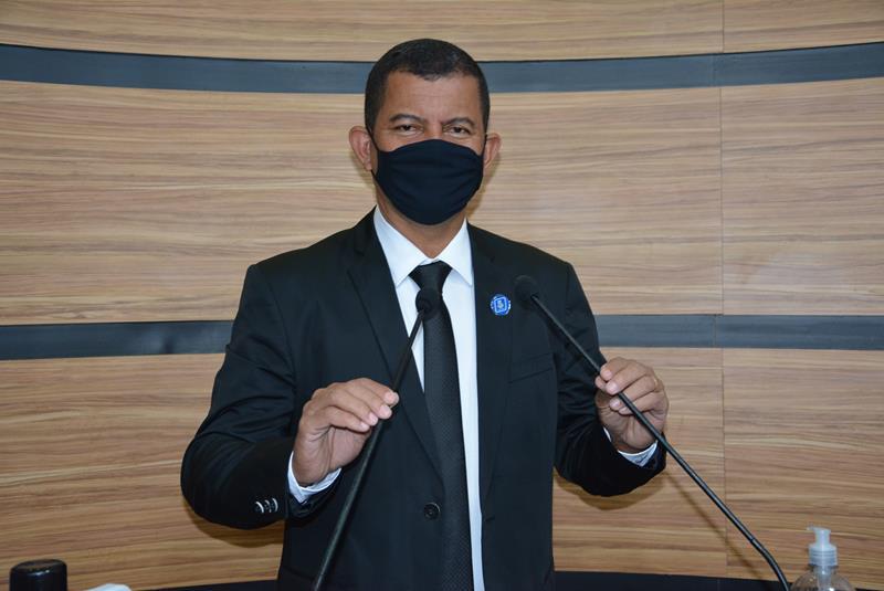 Imagem Muniz comemora anúncio de pavimentação da Urbis V e repudia quarentena eleitoral