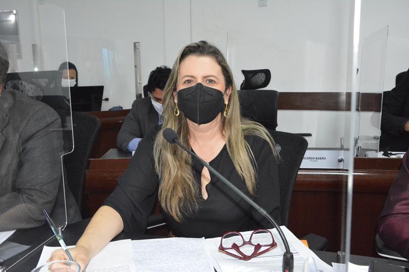 Imagem Viviane lamenta assassinato de mais uma mulher e conclama sociedade para luta contra o feminicídio