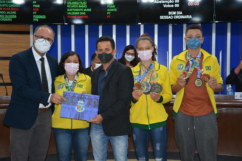Imagem Asdoks recebe Moção de Aplauso por realização da Copa Solidária de Karatê