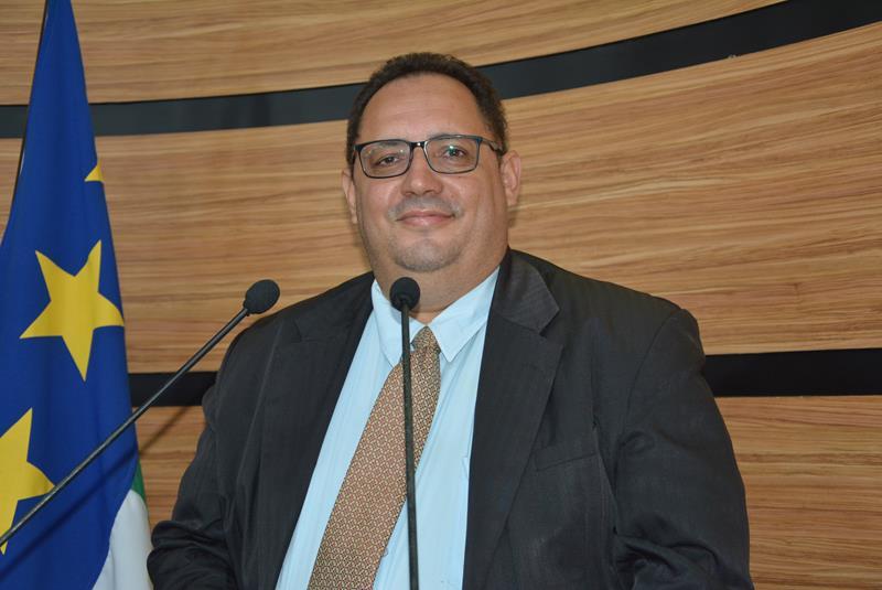 Imagem Luciano Gomes destaca atuação do senador Otto Alencar em Conquista