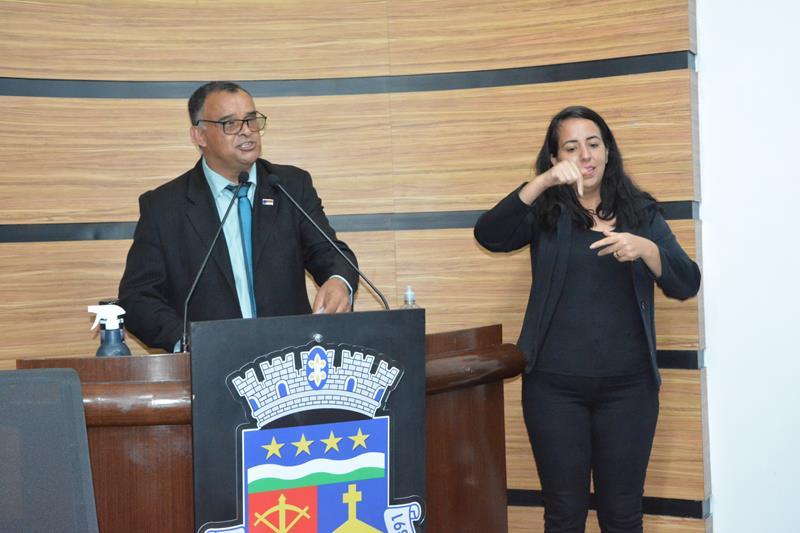 Imagem Adinilson reivindica presença de intérprete de Libras durante as sessões da Câmara