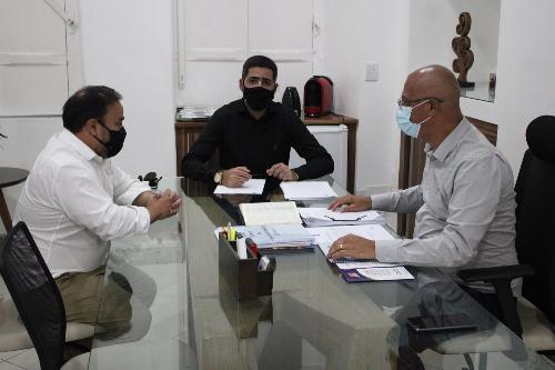Imagem Câmara recebe visitas de secretários do Governo Municipal e de políticos da região