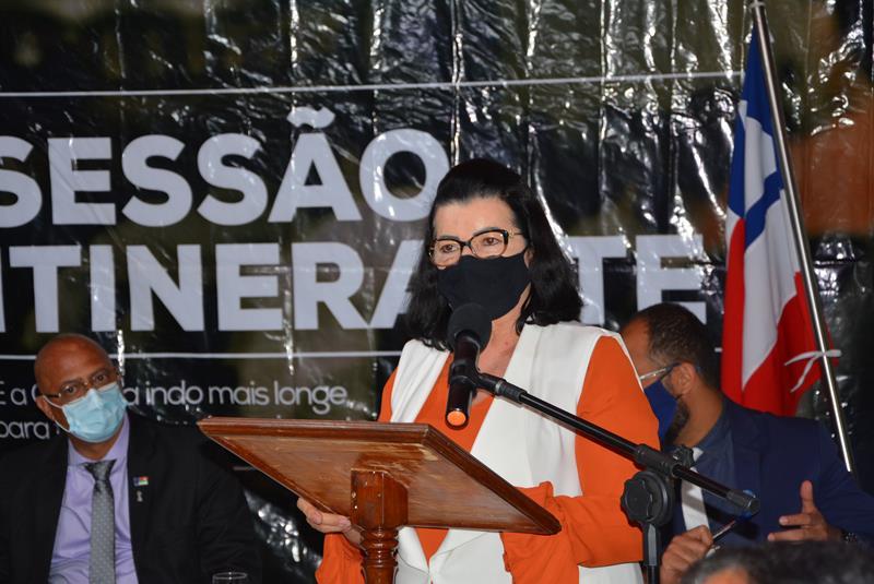 Imagem Lúcia Rocha pede agilidade da prefeitura na distribuição de água para povoados