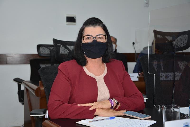 Imagem Lúcia destaca importância do projeto 'Marias do Bairro' na capacitação de mulheres