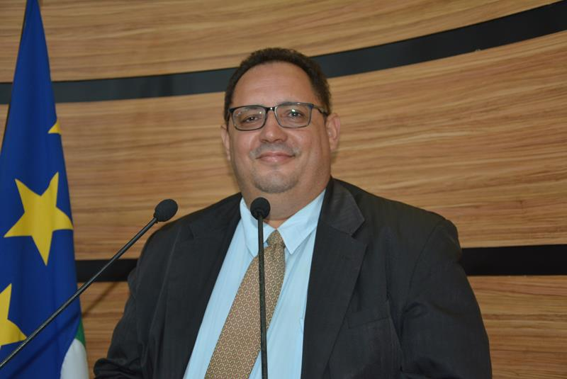 Imagem Luciano Gomes comemora aprovação de contas de sua gestão pelo TCM