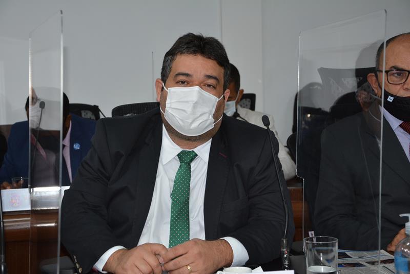 Imagem Ivan Cordeiro parabeniza prefeita pela redução da tarifa de ônibus
