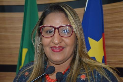Imagem Nildma: prefeito não cumpre promessa de campanha e persegue trabalhadores