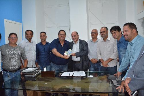 Imagem Vereadores recebem presidente da Bahiagás