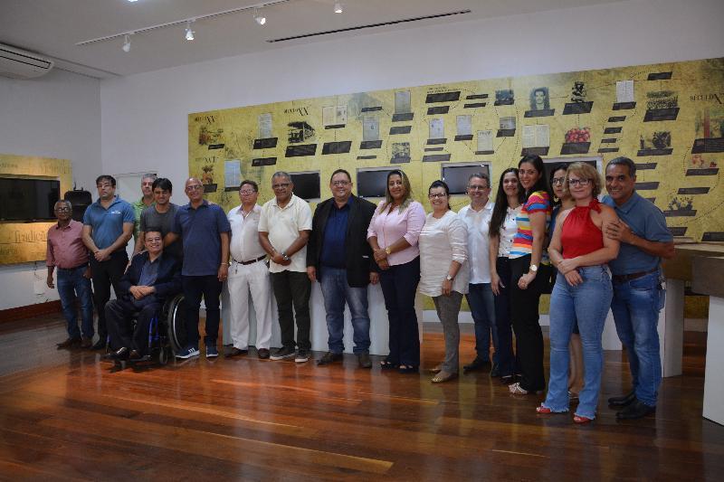 Imagem Mesa Diretora se reúne com novos membros da estrutura administrativa da Câmara Municipal